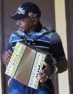 Jacquelin Edouard, symbiose entre le musicien et son accordéon