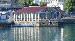 Kas Poz (détente) sur la jetée de Port Mathurin